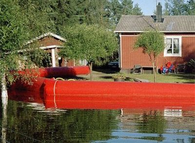 Inflatable Water Filled Flood Barrier